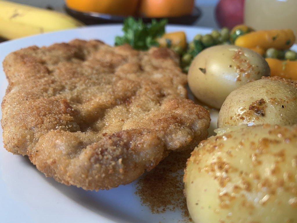 Schnitzel Wiener Art - mit Pellkartoffeln