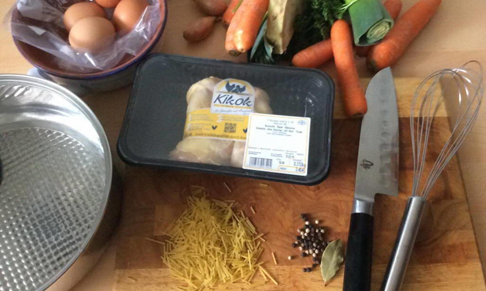 Hühnersuppe - alle Zutaten zusammen