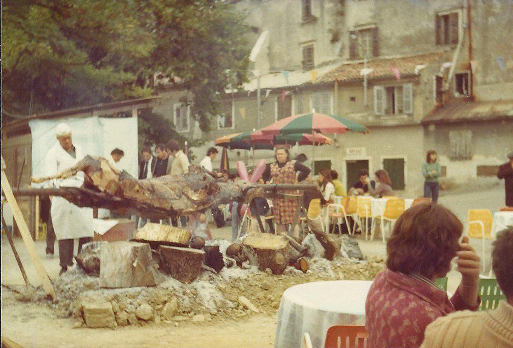 Istrien-Buje - Ochse am Spieß