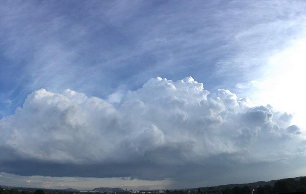 Wolkenspiele vor Gewitter