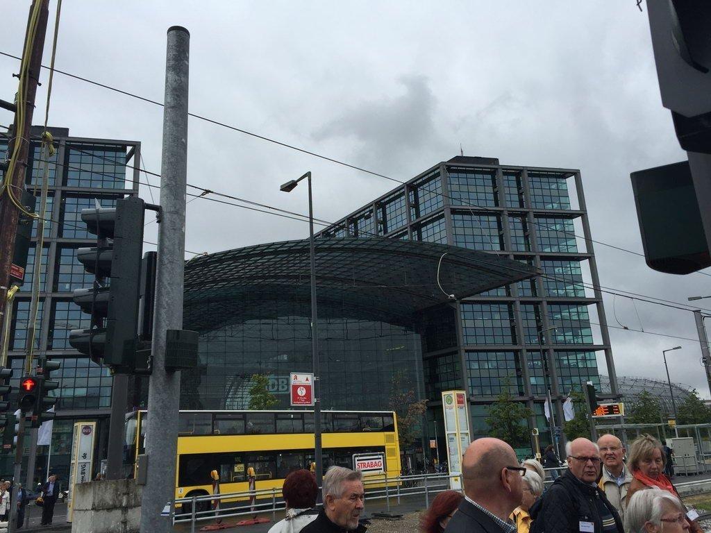 Berlin 2015 - vorm Bahnhof