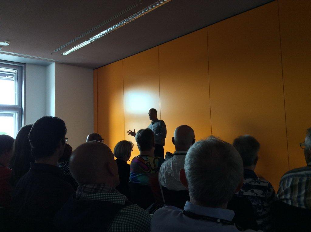 MdB Miersch beantwortet Fragen aus dem Teilnehmerkreis