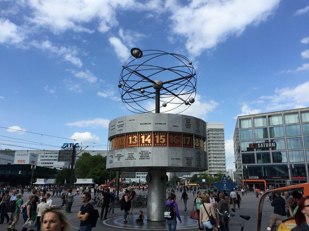 Berlin 2015 - Weltuhr am Alex