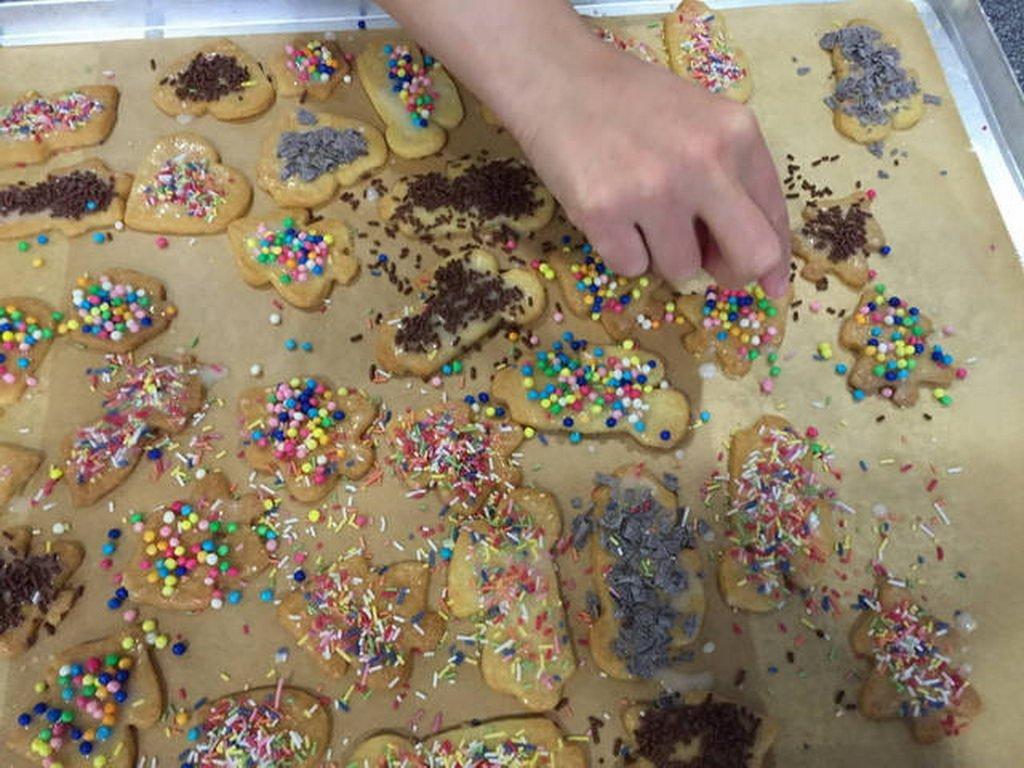 Weihnachtsbäckerei-2015-12-15 15.23.41