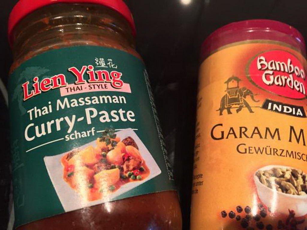 Curry-Paste und Garam Masala