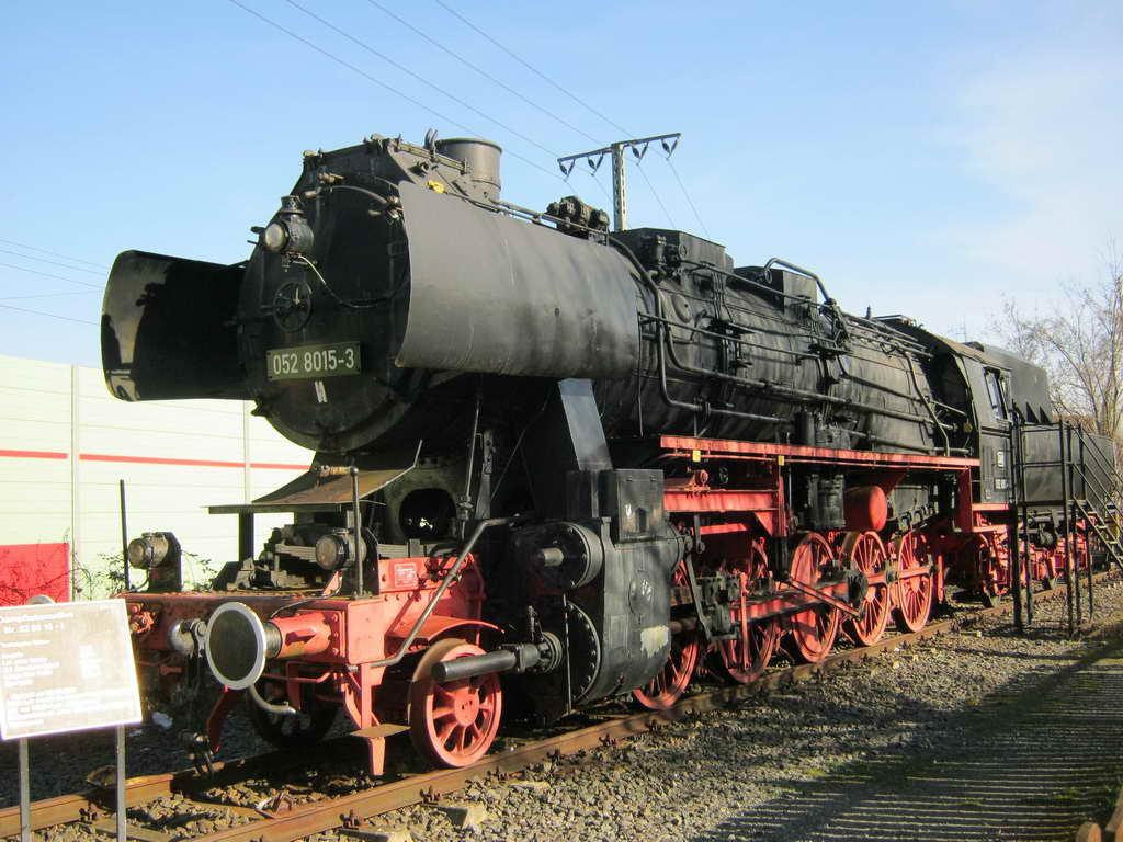 Dampflock am Bahnhof Lehrte