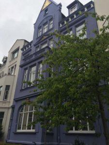 Spaziergang zur Haltestelle, Stolzestraße