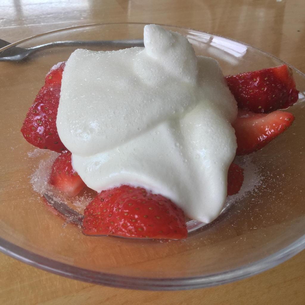 Erdbeeren mit Rahm