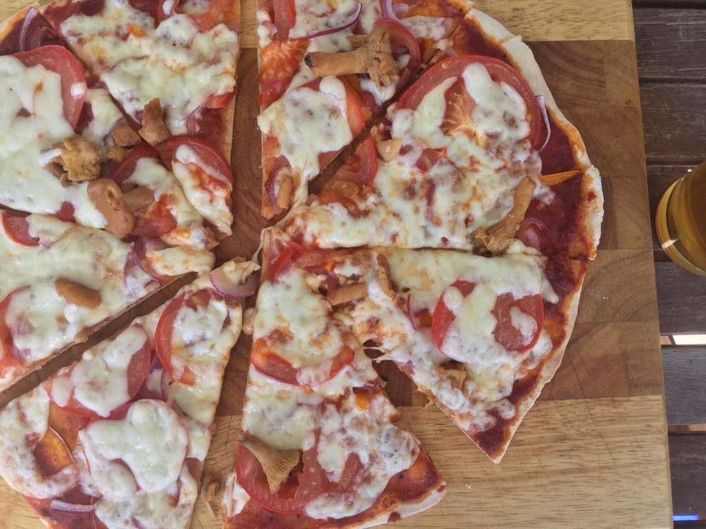 Pizza genießen