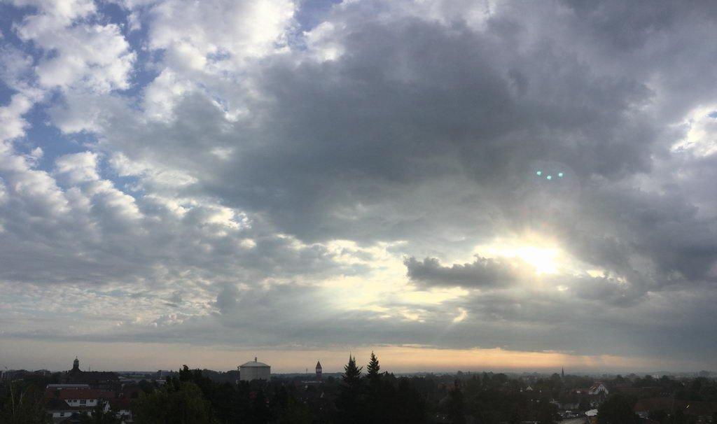 Morgens - Kontaktstelle in Hannover mit Einweihungsfeier