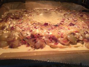 Zwiebelkuchen im Ofen