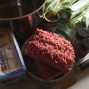 Deutsch lernen und leckere Mett-Lauch-Suppe zubereiten