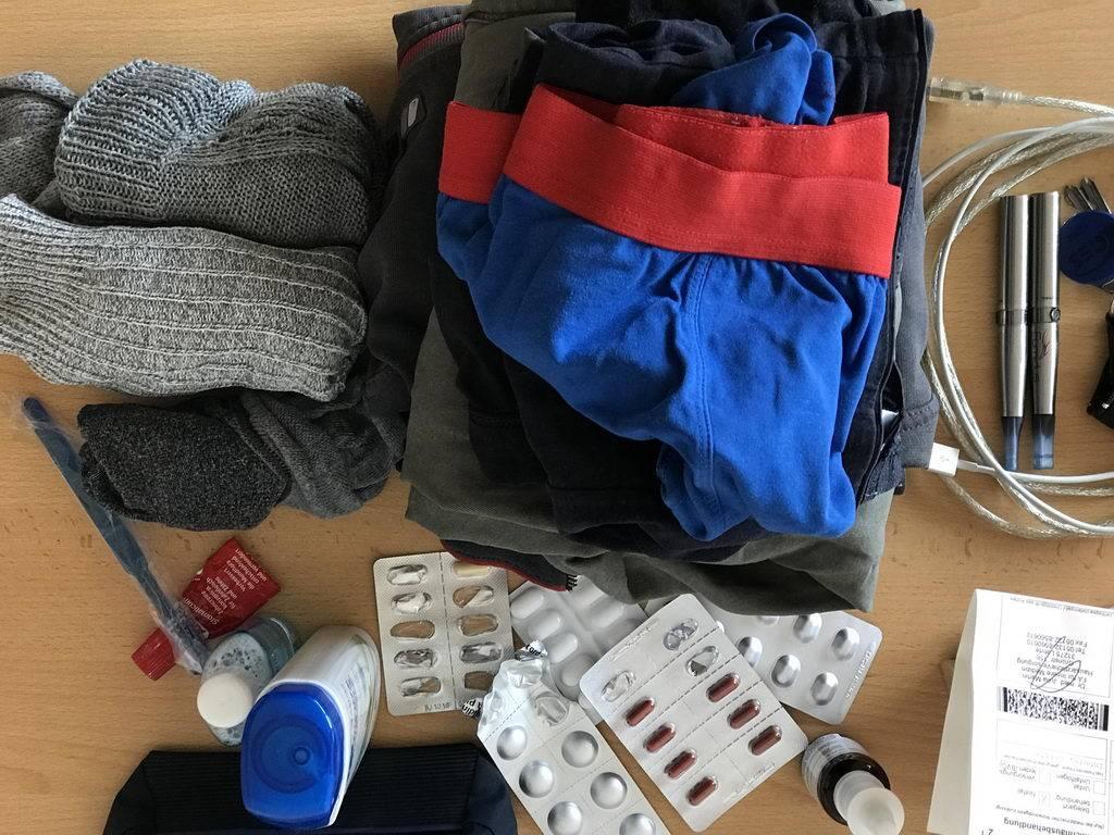 zack, Klamotten gepackt