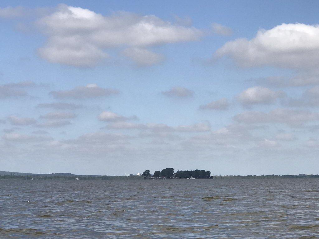 Insel Wilhelmstein aus der Ferne