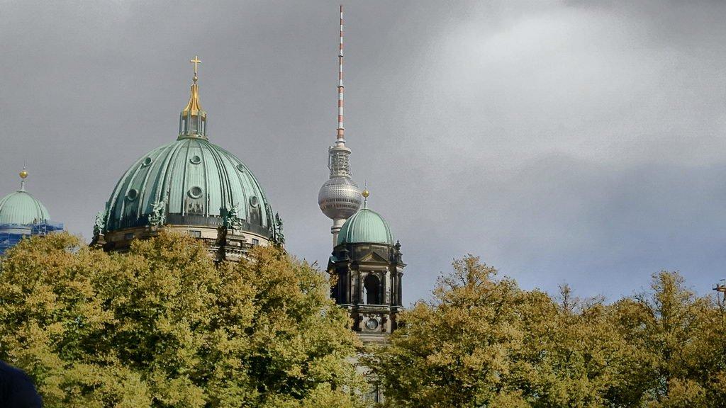 Berlinbesuch mit DRK OV Lehrte - Blick auf Berliner Dom