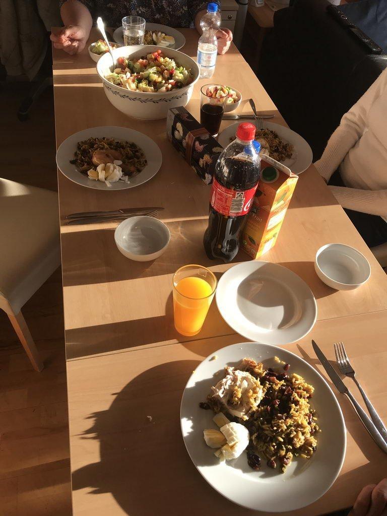 kochen mit Freunden - Tisch gedeckt
