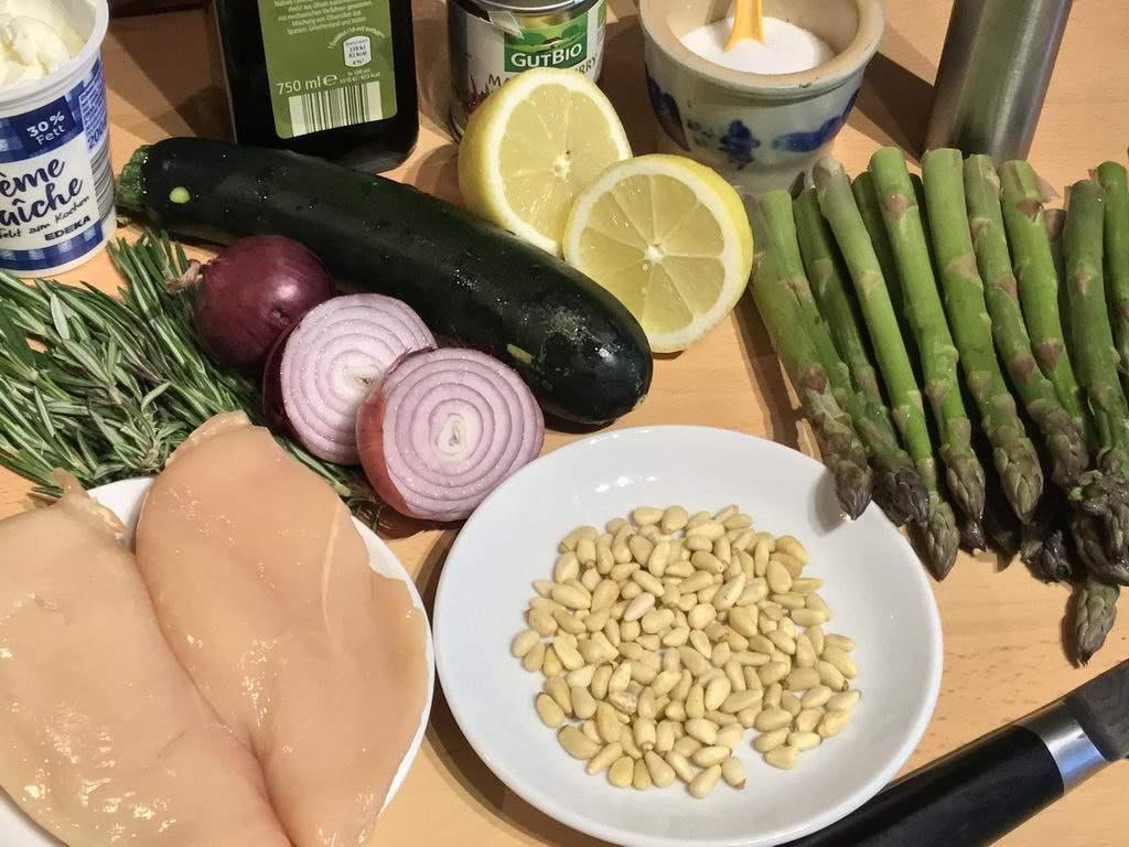 Spargel-Zucchini-Auflauf mit Hähnchenfilet - Zutaten