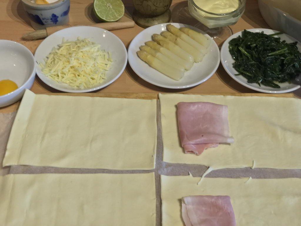 Vorbereitung Blätterteigtaschen - Schinken