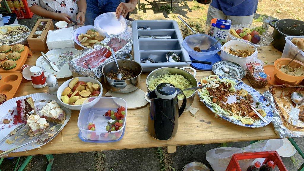 Pfingstpicknick 2019 im Stadtpark Lehrte - fast alles weggeputzt