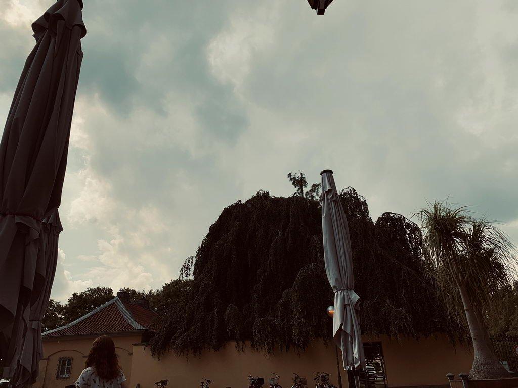 Herrenhausen - Wolken ziehen auf