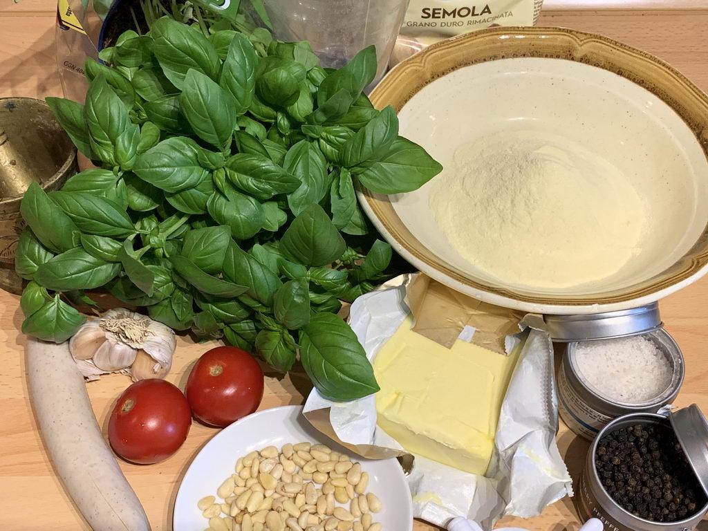 Ravioli mit Wurstfüllung an Basilikumbutter - Zutaten