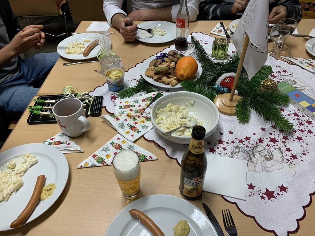 Weihnachtsfeier 2019 DRK Lehrte - essen und trinken