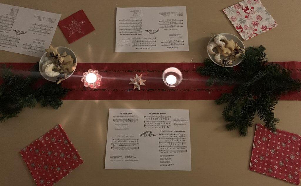 Weihnachtsfeier 2019 beim DRK Lehrte - dekorierter Tisch
