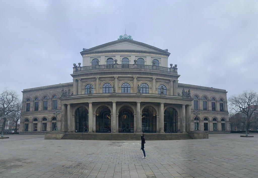 am Opernhaus Hannover