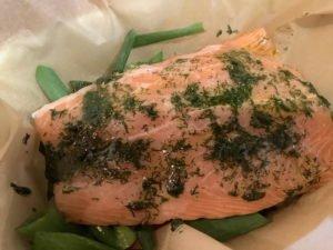 Lachs im Gemüsepäckchen - mariniert