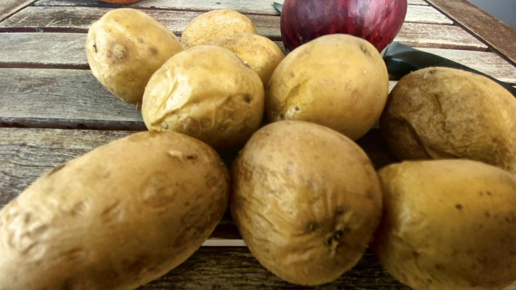Kartoffelsalat mit Schnittlauch-Vinaigrette - Pellkartoffeln
