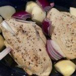 Poularde - Calvados - Kraäter und Beilagen - Zwiebel dazu