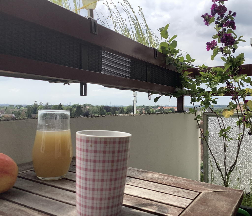 anschliessend Kaffee auf Balkon