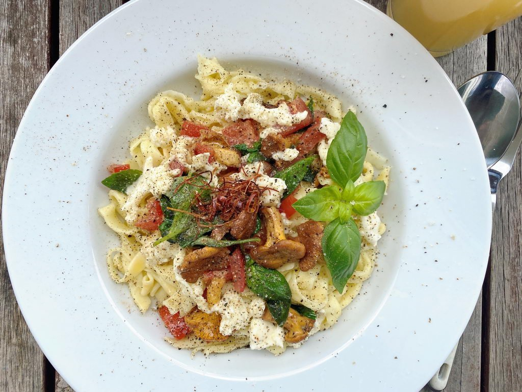 Pasta mit Pfifferlingen-Tomaten-Basilikum