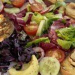 17-07 gegrillte Avocado - Ziegenkaesebaguette - Salat - mjam 4