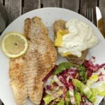 19-07 Rotbarsch naturell - gebackene Kartoffen u Sour Creme - Salat 1