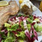 19-07 Rotbarsch naturell - gebackene Kartoffen u Sour Creme - Salat 2