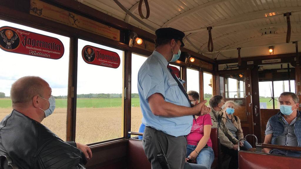 Hannoversches-Straßenbahn-Museum - Erklärungen in der Bahn