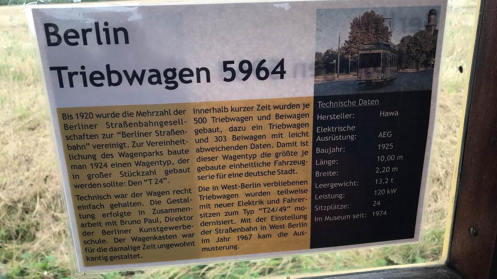 Hannoversches-Strassenbahn-Museum - Schild an Strassenbahn